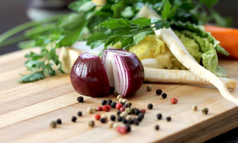 Leckere Gemüsepfanne aus der Heißluftfritteuse.